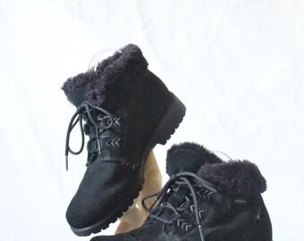 Vintage Black Suede Leather Fur Mukluk Boots Sz 8/9
