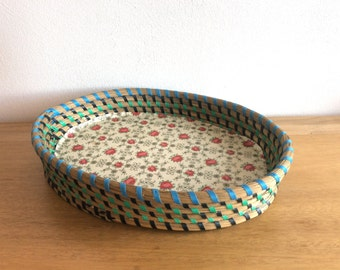 Vintage rattan wicker and wood oval serving tray with retro flower red roses decor