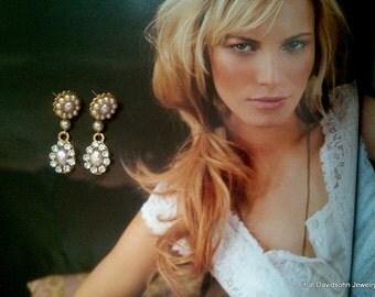 Champagne Pearl Rhinestone Earrings Blush Rose Earrings Bridal Jewelry Vintage Earrings Gold Post Swarovski Crystal Earrings Pink Pearl