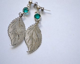 Silver Leaf with Turquoise Bead Earring. Delicate Leaf. Gift for her. Under 25. Nature. Trendy. Silver Stud Earring.