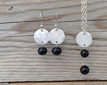 glass black round pendant and earrings set