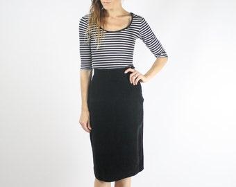 60s Corduroy Pencil Skirt, Black cord skirt, Wiggle skirt, Small