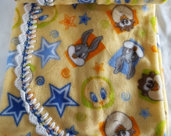 Baby Looney Tunes crochet edged Fleece Blanket by FreCkLes GarDeN nap cuddle carseat tummy time sleep bed blankie baby crib