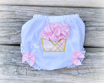 3D cupcake Bloomers diaper cover and bow, Birthday bloomers
