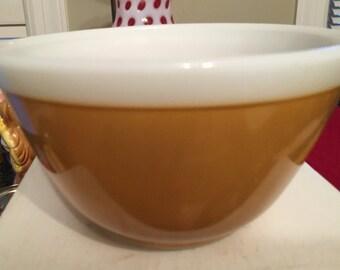 Americana Fall Colors White Rim 401 Pyrex Mixing Bowl