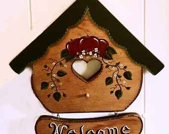 Vintage Welcome Sign Wall decor, hand painted wood birdhouse garden sign, cottage chic folk art, new home gift, farmhouse style wall hanging