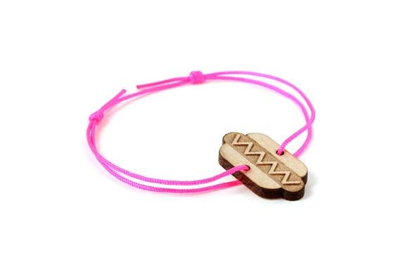 Hotdog bracelet - 25 colors - graphic hotdog - sandwich bangle - adjustable length - lasercut maple wood - unisex jewelry - customizable