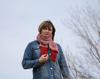 knited scarf in alpaca