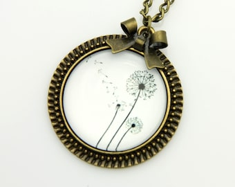 Necklace three dandelions  2525C