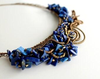 Lapis Necklace, Wire Wrapped Jewelry, Bib Necklace, Jewelry Necklaces, Blue Gemstone Necklace, Lapis Lazuli Jewelry, Brass Necklace Blue