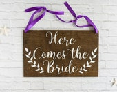 Here Comes the Bride Sign - Boho Wedding Bride Sign with Laurels - Wood Wedding Sign