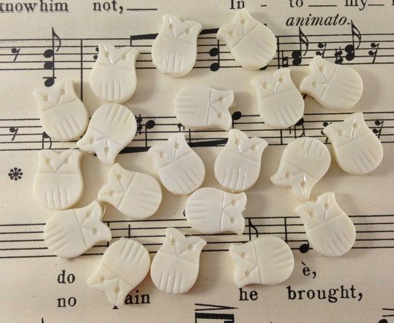 Vintage Owl Beads - White Plastic Bird Charms - Halloween, Fall, Autumn, Woodland - Jewelry Supplies, Crafts - Qty 20