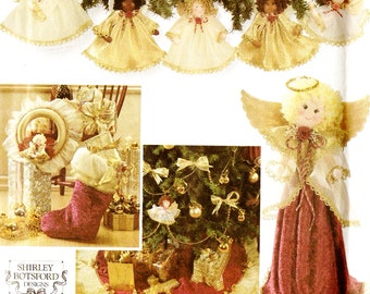 Simplicity 7938 Holiday Collection Christmas Crafts Treeskirt, Wreath, Stockings, Ornaments, Tree Topper and Centerpiece Sewing Pattern