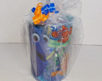 FREE GIFT! Set of 8 - Finding Nemo / Dory Party Favors!  Ready To Ship!