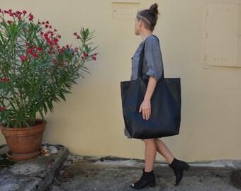 Oversized leather Bag TAKI black leather tote