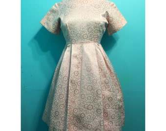 Vintage 1960s Pale Pink and White Brocade Dress