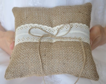 Rustic ring pillow Burlap Ring Bearer Pillow with Vintage Ivory cotton trim Woodland / Rustic / Cottage style Weddings