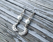 Silver Moon Earrings - Elven Earrings - Pearl Earrings - Wire wrapped Earrings - Moon Jewelry - Elven Jewelry - Crescent moon