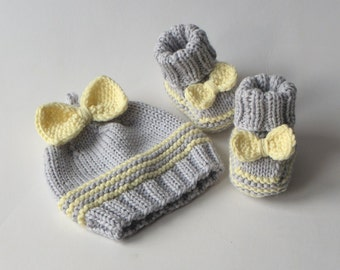 knit baby girl set hat and booties for girl set for photo props MADE TO ORDER