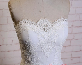 Strapless Wedding Dress with Lace bodice Ivory A-line Wedding Gown with Layered Tulle Skirt with Lace Edging