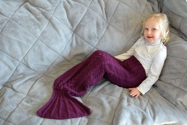 Knitting Pattern Mermaid Tail Blanket : Mermaid tail knitting pattern / Mermaid blanket knitting