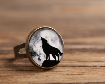 Howling wolf ring, full moon ring, adjustable ring, statement ring, brass ring, glass ring, antique bronze / silver ring, jewelry gift