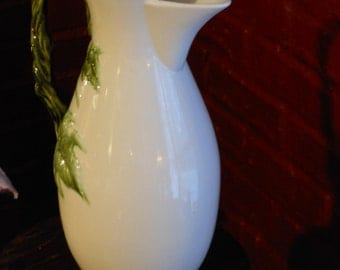 Tokay 13 Hull Vase / Pitcher