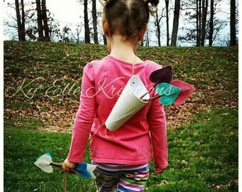 Arrow Quiver, Quiver, Cupid Arrow, Valentine Arrow, Photo Prop, Photo Booth Prop, Valentine Accessories, Wooden Arrow, Cupid bow & arrow