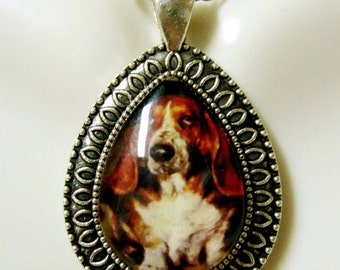 Basset hound teardrop pendant and chain - DAP15-005