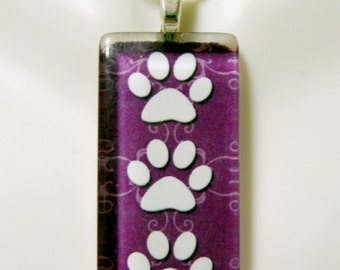 Paw print pendant in purple - DGP12-010