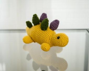 Dinosaur Crochet Pattern: Stegosaurus