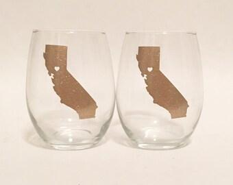 Set of 2 - Glitter - Custom State Outline Heart Stemless Wine Glass Gold Sparkly Shimmer - Sacramento, California