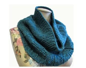 Cowl Knitting Pattern - Easy Chunky Cowl Pattern for Knitters - Downloadable PDF Knitting Pattern - Alpaca Wool Knit Pattern - Winter Cowl