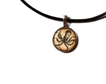Nautical pendant Octopus necklace Vintage jewelry NWR196