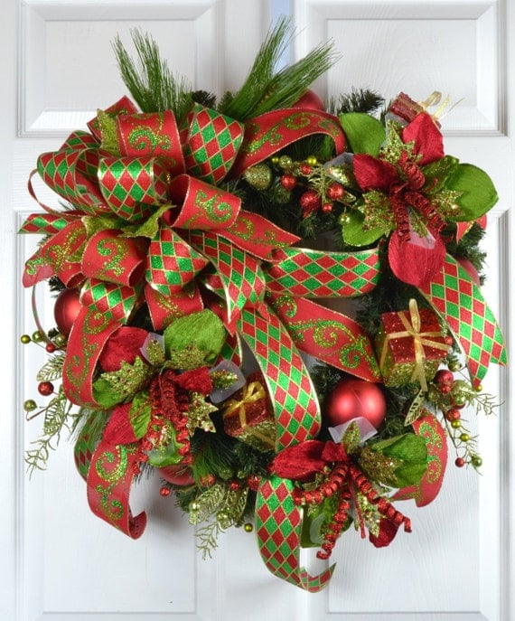 Christmas traditional amaryllis wreath front door wreath for Amaryllis christmas decoration