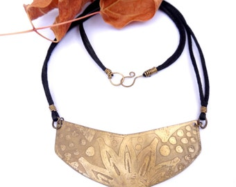 Brass Sunflower Shield Necklace (N70)