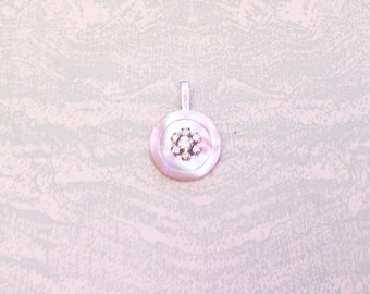 Mother of pearl button rhinestone flower pendant necklace