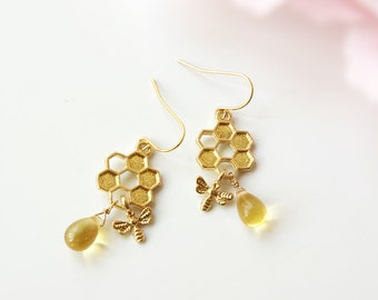 Honeycomb earrings, honeycomb bee earrings, gold honey earrings, gold dangle bee earrings, bumble bee earrings, honey bee earrings drop