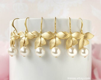 Bridesmaid earrings set of 5 4 3 6 7 8 9 Gold orchid earrings, White pearl wedding earrings, Wedding flower earrings Bridesmaid gift set