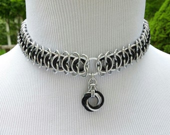 Discreet Day Collar Choker, Vertebrae Chainmaille BDSM Slave Collar, Mobius Eternal Love Pendant