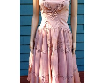 Vintage 1950's Dusty Rose Taffeta Prom Dress W/ Spaghetti Straps/Passmenterie/Fitted Bodice/Full Circle Skirt/Tuille Crinoline/Approx Size S
