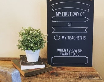 "12"" x 18"" Reusable Chalkboard // 1st Day of School"