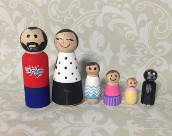 CUSTOM Family of 6 peg dolls.