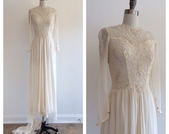 Vintage Bridal 1930's / 1940's Sheer Gauze Wedding gown with leaf piping embroidery
