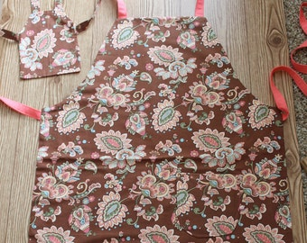 Mom, Child and Doll matching apron set (set of one each size)