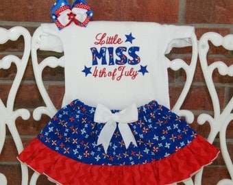 Baby Girl 4th of July Outfit--Little Miss 4th of July applique top, ruffle skirt, and hair bow!/ 4th of July outfit for girls