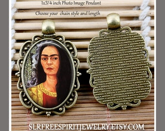 Frida Jewelry, Frida Kahlo, Frida Kahlo Necklace, Small Oval Pendant, Frida Gift, Photo Jewelry, Handmade Jewelry, Mexican Artist