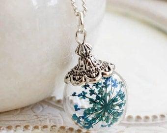 Flower Necklace, Flower Jewelry, terrarium, blue flower, pressed flower, flower jewelry, gift for woman, flower art, botanical jewelry