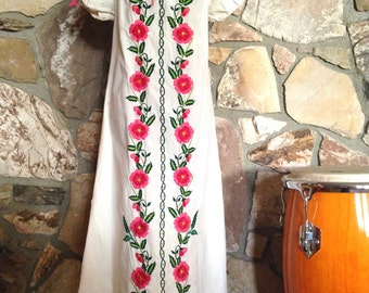 Embroidered Dress Womens Mexican Small Medium Maxi