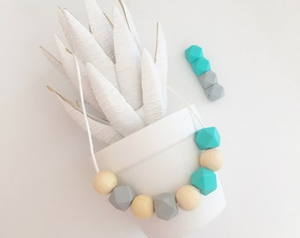 Teething Necklace, Nursing Necklace, Mommy Necklace,Turquoise Chew Bead Silicone Necklace. - Piper